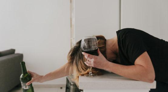 Alkoholizm - problem którego nie widać na pierwszy rzut oka